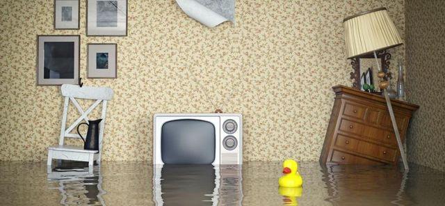 Оценка ущерба квартиры после залива в 2020 году: порядок действий