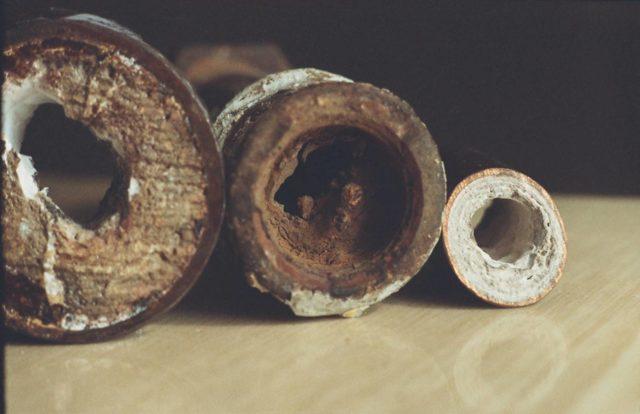 Как происходит прочистка канализационных труб в квартире
