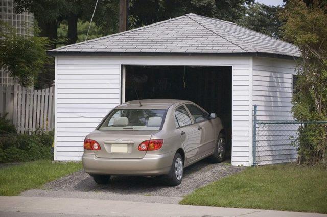 Правила и нормативы при строительстве гаража на участке в 2018