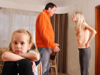 Как при разводе разделить квартиру в ипотеке и как ее переоформить