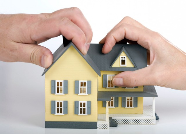 Как происходит выделение доли в квартире из совместной и долевой собственности
