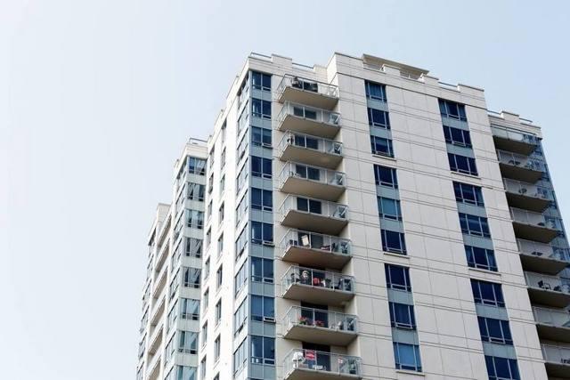 Покупка квартиры с долгами по коммунальным платежам в 2020 году