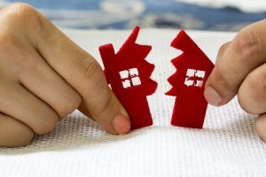 Когда и как при разводе делится ипотека взятая до брака